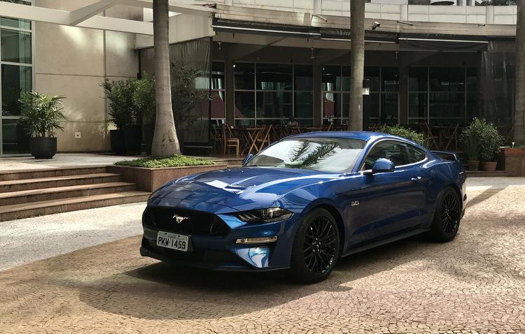 Mustang 2018 entra em cena no Brasil e já dirigimos; Confira o vídeo!