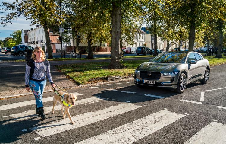 Jaguar desenvolve sistema de som para o I-PACE ser identificado por pedestres