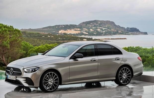 Mercedes-Benz apresenta décima geração do Classe E