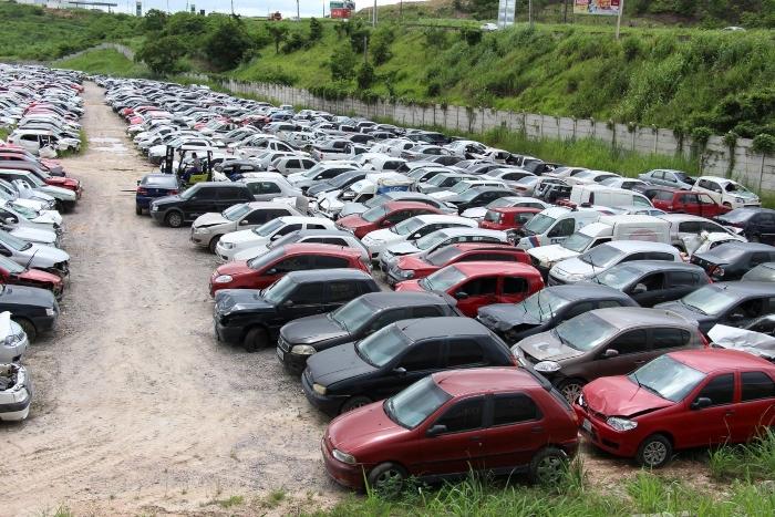 Detran-PE realiza 5º Leilão de veículos apreendidos nesta sexta-feira